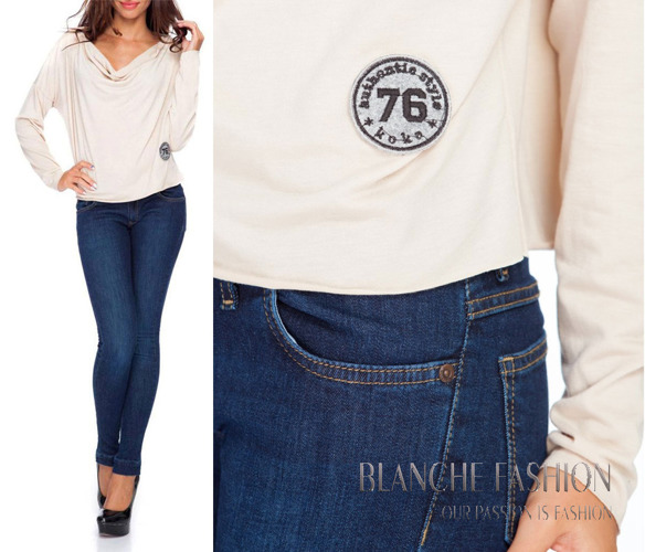 Oversize Top with badge 76 in beige colour
